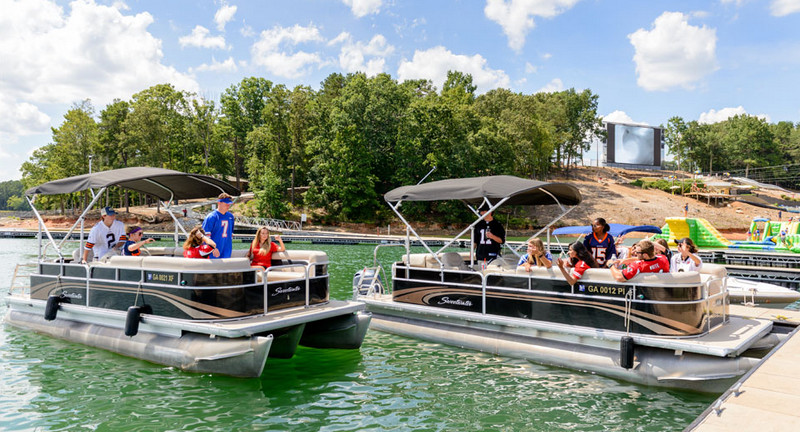 Lake Lanier Yacht Rental with the Interesting Offer You Can Pick