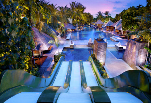 San Diego Hotels with Waterslides for the Whole Family to Stay
